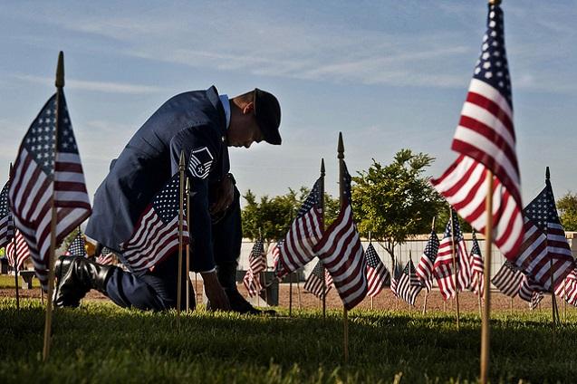 Soldier Kneel Grave