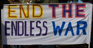 """Aquellos de nosotros que conocemos la guerra nos vemos obligados a trabajar por la paz """", escribe Bica."""