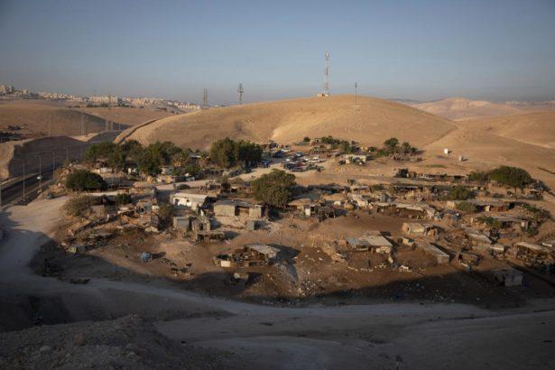 A general view of Khan al-Amar, east of Jerusalem, on September 17, 2018. (Activestills/Oren Ziv)