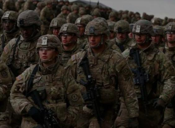 Más tropas estadounidenses llegan a Polonia: se les dice que su misión es evitar que la toma de control de Europa del Este por parte de Rusia organice notas.