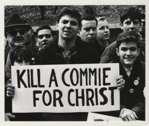 cartel que dice Mata a un comunista por Cristo